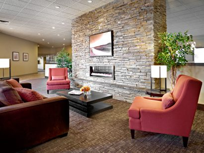 Quality Hotel Fort McMurray Lobby